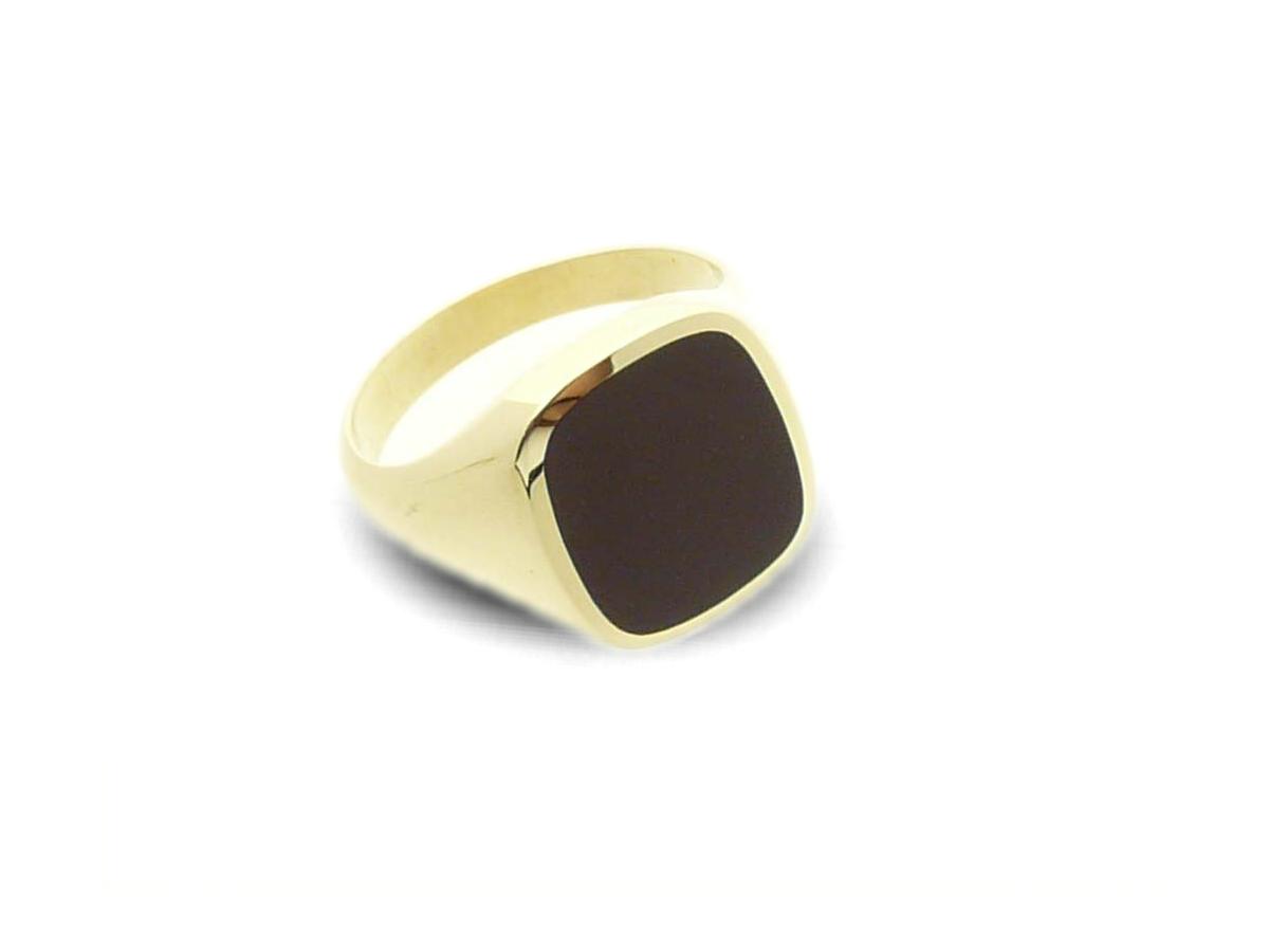 Signet ring gold classic cushion