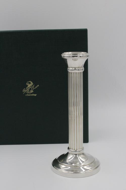 Zilveren ribzuilkandelaar 17½ cm