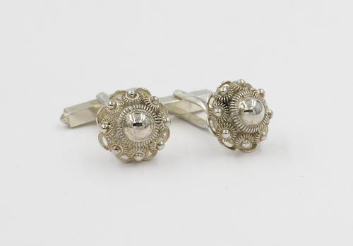 zilveren manchetknoop model zeeuwse knoop midden grootte