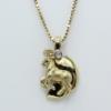 Zodiac hanger in de vorm van een steenbok met een klein briljantje. De steenbok is gematteerd.5.4 gram