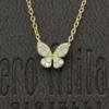 Een 18 kt geelgouden collier met hanger in vlindervorm