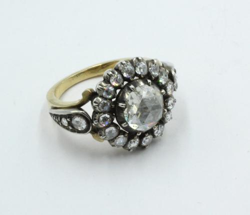 Roosdiamanten ring, 14 karaats goud en zilver. De middensteen 1.105 ct