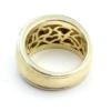 18krt gouden ring, gehamerd, met aan de zijkant een witgouden smalle ring met briljant gezet (0.29karaat)