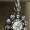Roosgeslepen diamanten oorhanger